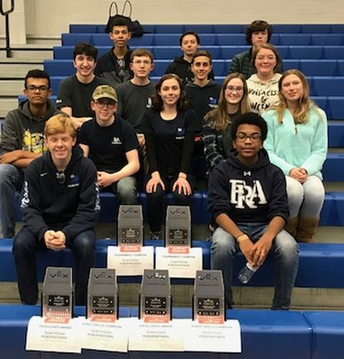 RoboPanthers Win Big; Qualify for State Championships